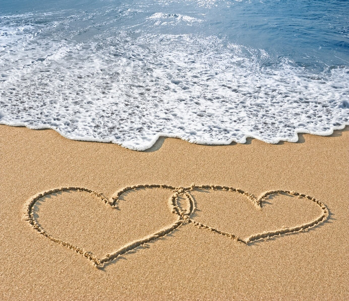 two-hearts-in-the-sand-for-trifold
